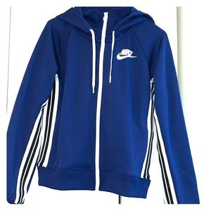 Women's Nike track jacket - size small